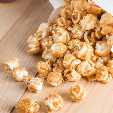 What is difference between kettle corn and Caramel Corn?